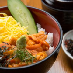 Sea Urchin Rice Bowl With Nagisa Soup : ¥2,700