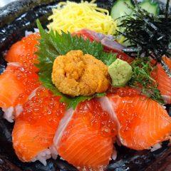 福井サーモン親子丼 生うにのせ なぎさ汁付 3,400円
